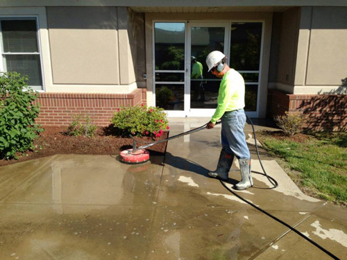 Companies supplying tools or materials were Butterfield Color, Euclid Chemical Co., Decorative Concrete Resources (Saginaw, Mich.), Patterned Concrete of Cincinnati, and Surface Gel Tek. Design services were provided by Zone 7 Landscaping, Seneca, S.C.